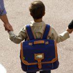 Ребенок не хочет идти в школу? Разберемся, в чем причина и что делать родителям.